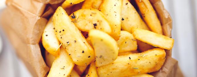Batatinhas-fritas: crocante por fora, macia por dentro