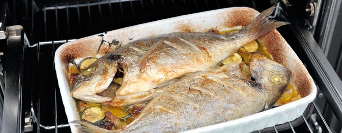 Uso ou não uso o papel alumínio para assar o peixe?